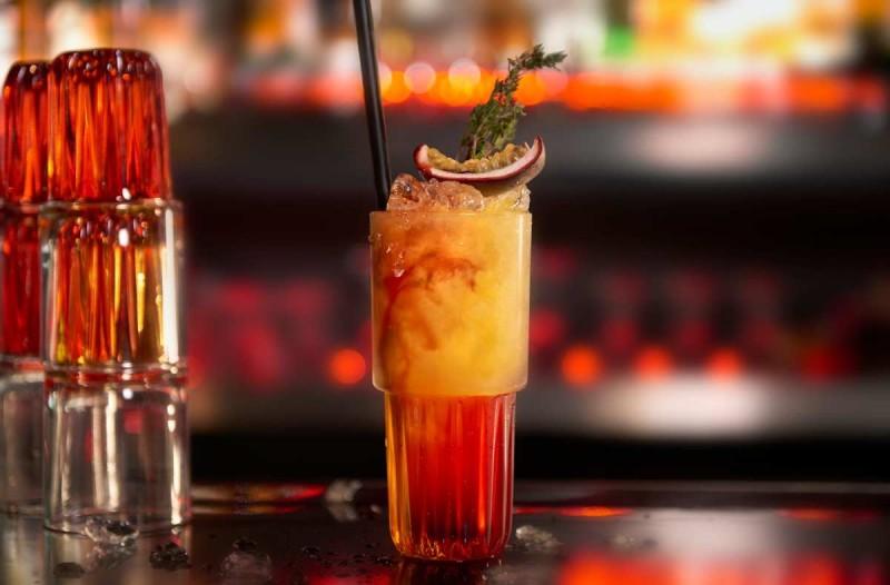 μεθανα ποτο μπαρ