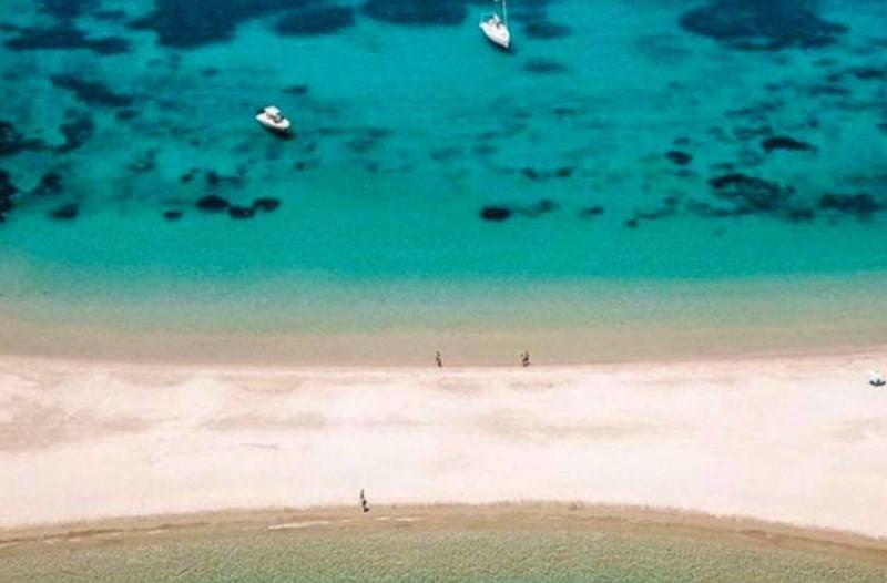 1,5 ώρα απ' το Λαύριο, 92 παραλίες: To μικρό νησί που θεωρείται ο πιο ασφαλής προορισμός για το καλοκαίρι του 2020