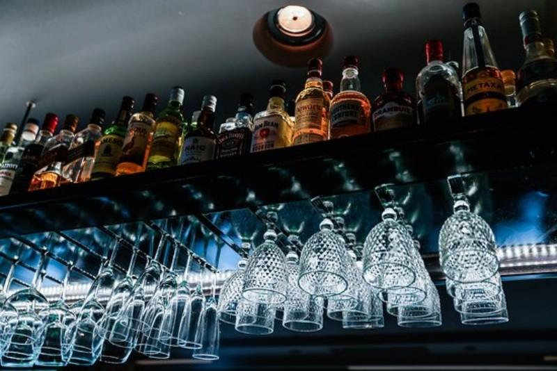νησος βραυρωνα για ποτο