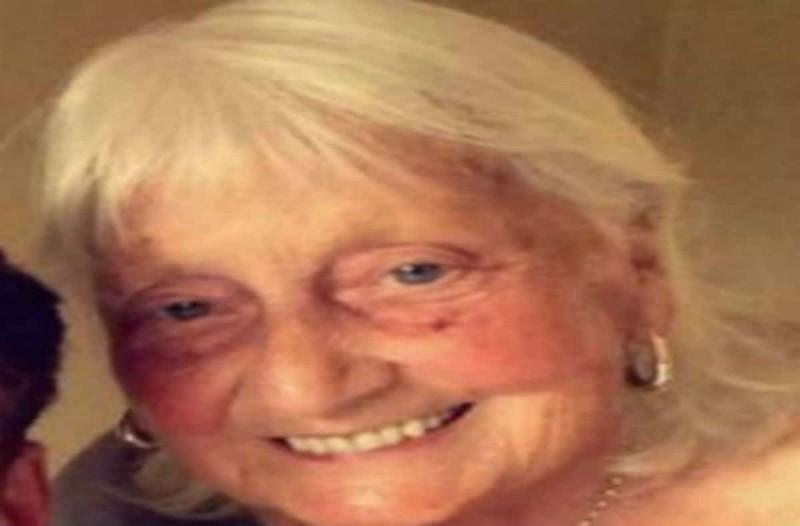 Άνοιξε το λάπτοπ της 81χρονης γιαγιάς του και μέσα σε λίγα λεπτά την έκανε viral