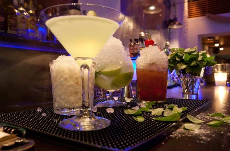 εξάρχεια ποτο μπαρ