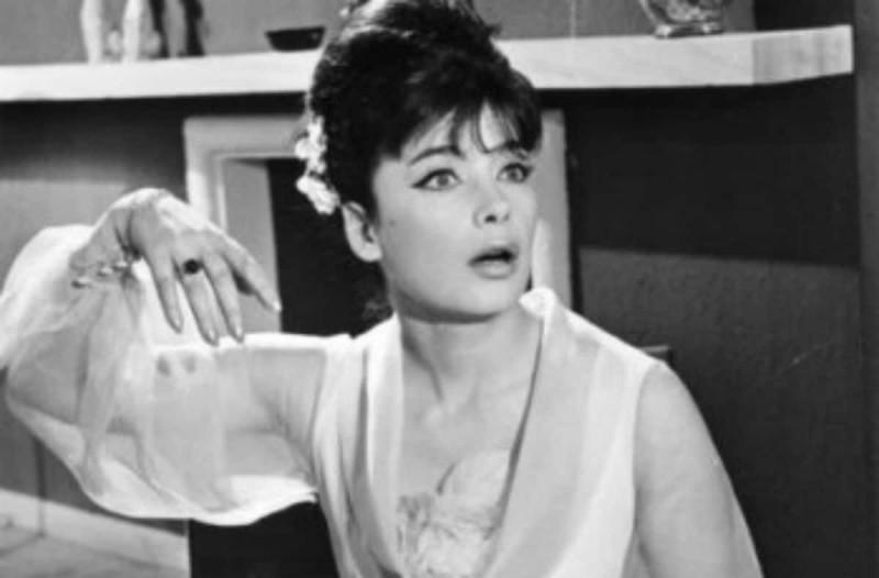 Σαν σήμερα, πριν από 28 χρόνια, «φεύγει» από τη ζωή η Τζένη Καρέζη (photos-video)