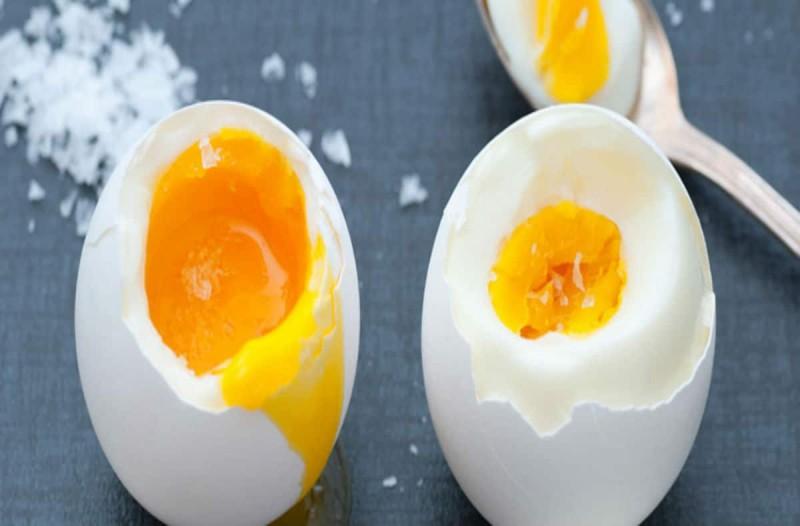 Βάζετε αλάτι στα αυγά σας; Σταματήστε το αμέσως!