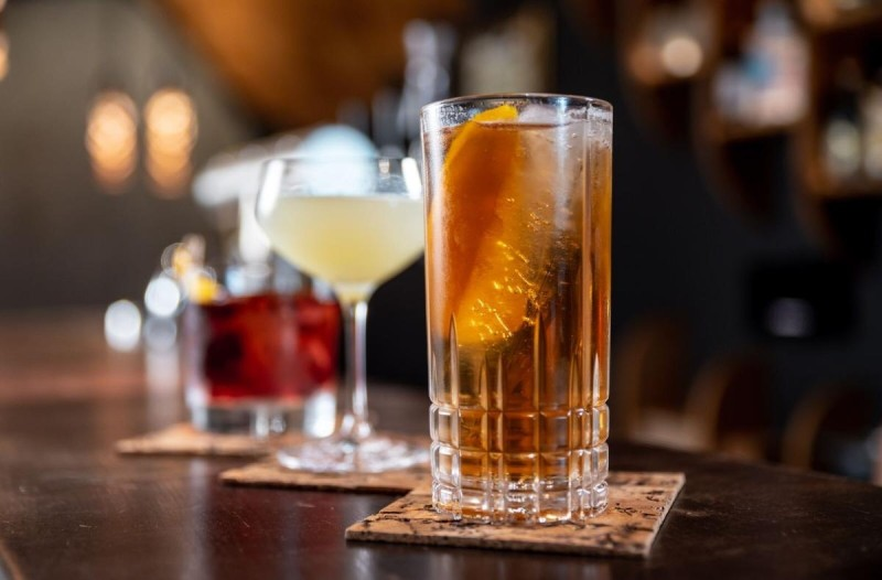 αμπελοκηποι ποτο μπαρ