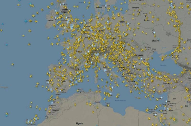 Άρση Μέτρων: Γέμισε ξανά με αεροπλάνα ο ουρανός της Ευρώπης - Άνοιξαν τα σύνορα για 15 χώρες