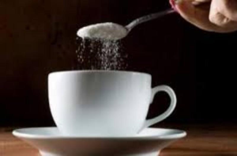 Βάλτε λίγο αλάτι στον καφέ σας αντί για ζάχαρη - Θα πάθετε πλάκα με τον λόγο