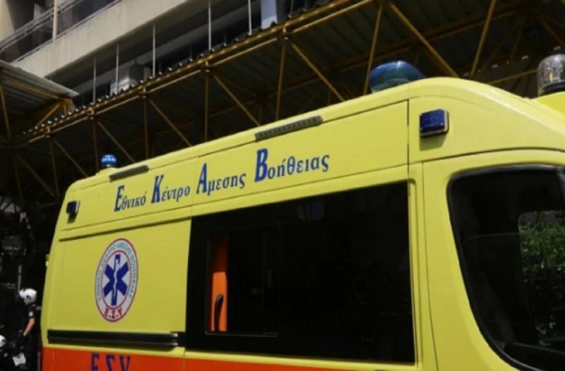83χρονη περίμενε το ΕΚΑΒ 5 ώρες και τελικά πέθανε από θρομβοεμβολή.