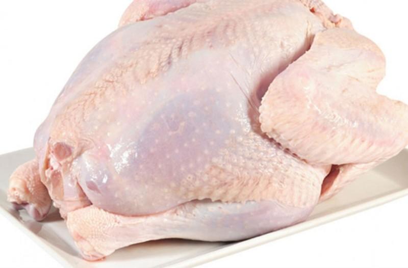 Δείτε τι κάνουν για να πουλούν τα κοτόπουλα ακριβότερα – Ούτε που πάει το μυαλό σας