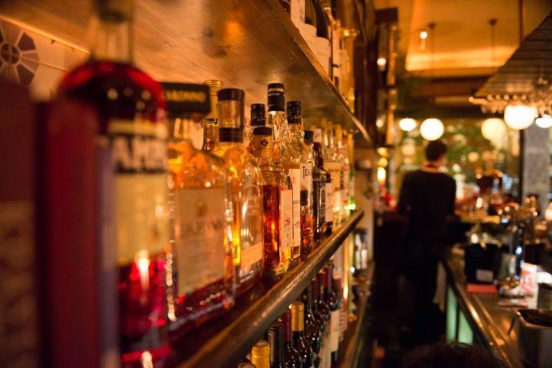 αλεξανδρινο εξάρχεια ποτο μπαρ