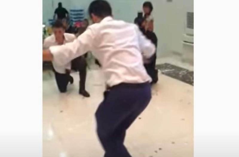 36χρονος γαμπρός χορεύει ζεϊμπέκικο και