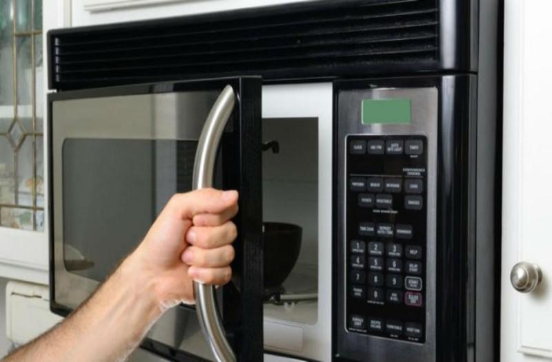 5+1 τρόφιμα που δεν πρέπει να ζεστάνεις στον φούρνο μικροκυμάτων - Βραστά αυγά και...