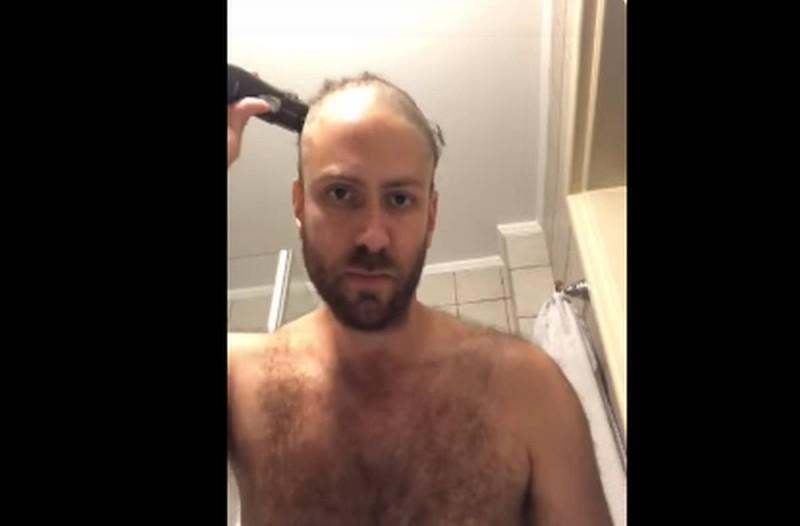 Το Τζέισον Αντιγόνη ξύρισε το κεφάλι του για διαμαρτυρία για τους γκέι γάμους