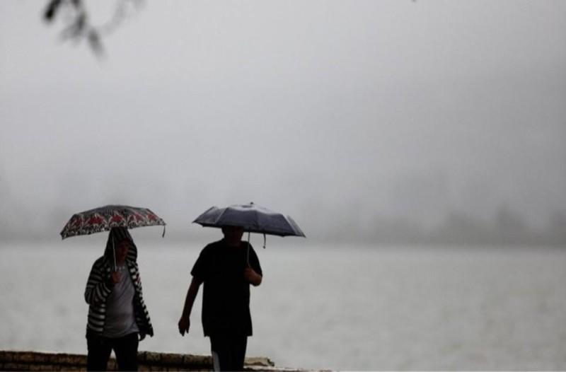 Καιρός: Αλλαγή σκηνικού με βροχές, καταιγίδες και πτώση της θερμοκρασίας
