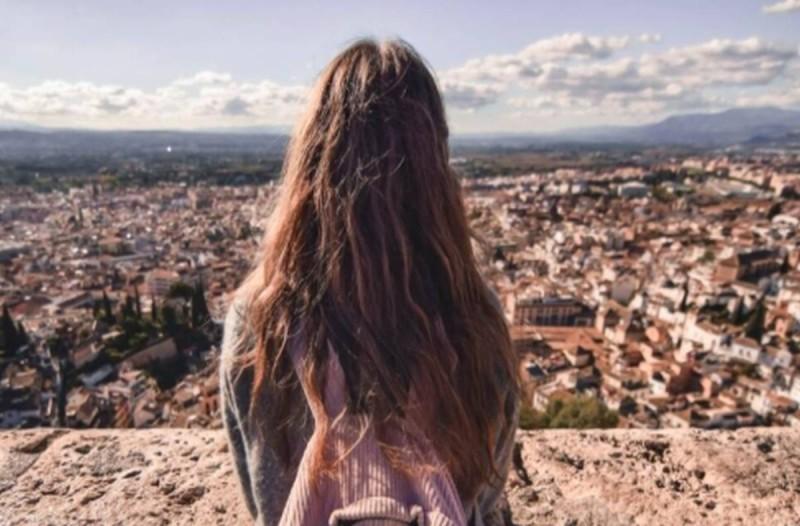 Σχέση καθηγητή με 14χρονη: Ραγδαίες εξελίξεις στην υπόθεση!