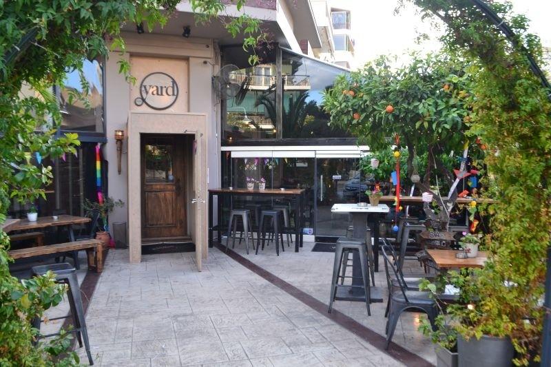 little yard 6 cafe που μυρίζουν καλοκαίρι στο Π. Φάληρο