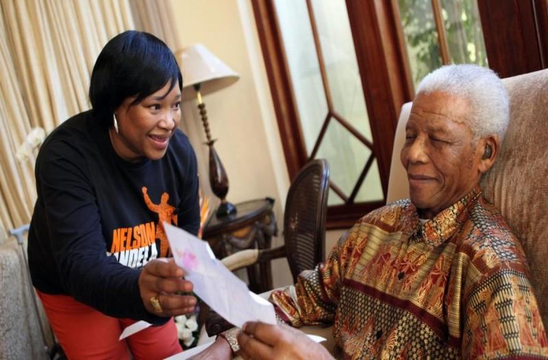 Θρήνος: Πέθανε σε ηλικία 59 ετών η κόρη του Νέλσον Μαντέλα