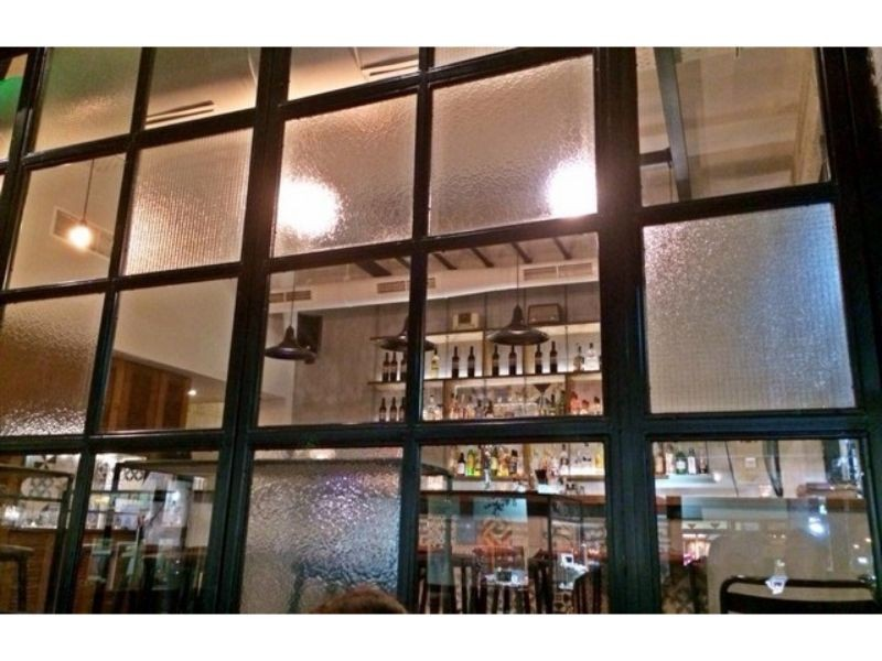 page πετρουπολη καφε μπαρ ποτο