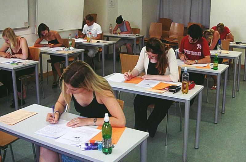 Πανελλαδικές εξετάσεις: Αυτές οι σχολές με χαμηλές βάσεις φέρνουν πιο σίγουρο επαγγελματικό μέλλον