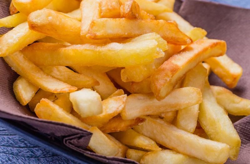 Έτσι θα φτιάξετε τις πιο νόστιμες και υγιεινές τηγανητές πατάτες