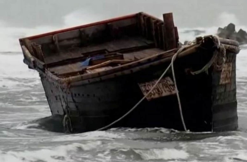 Θρίλερ στην Ιαπωνία: Πλοία-φαντάσματα «ξεβράζονται» γεμάτα νεκρούς στις ακτές της