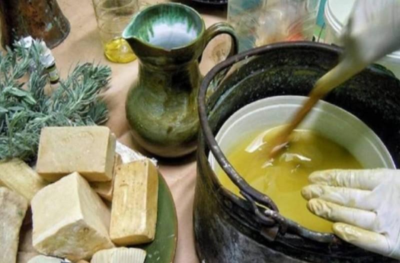 Τα θαυμαστά οφέλη του πράσινου σαπουνιού που ελάχιστοι γνωρίζουν και η συνταγή με μαγειρική σόδα!