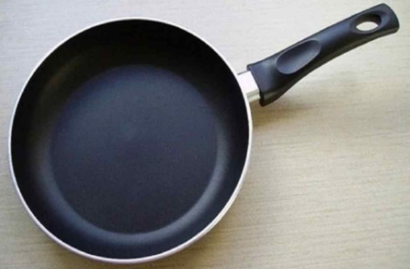 Πετάξτε αμέσως τα τηγάνια που αναγράφουν αυτή την ένδειξη - Κίνδυνος για...