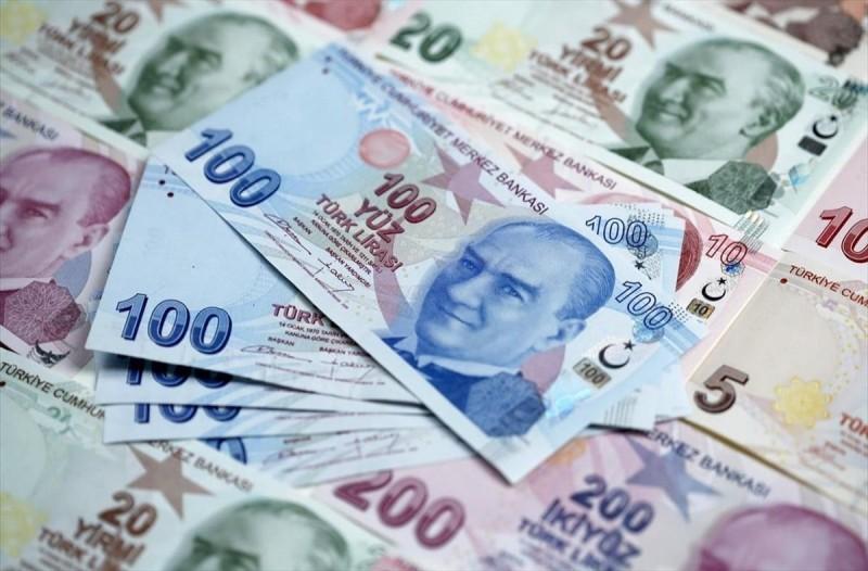 Από το κακό στο χειρότερο: «Κατακρημνίζεται» η τουρκική λίρα