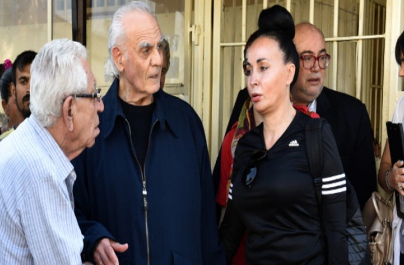 Άκης Τσοχατζόπουλος: Αυτά δείχνουν οι εξετάσεις για κορωνοϊό - Το δημόσιο μήνυμα της Βίκυς Σταμάτη