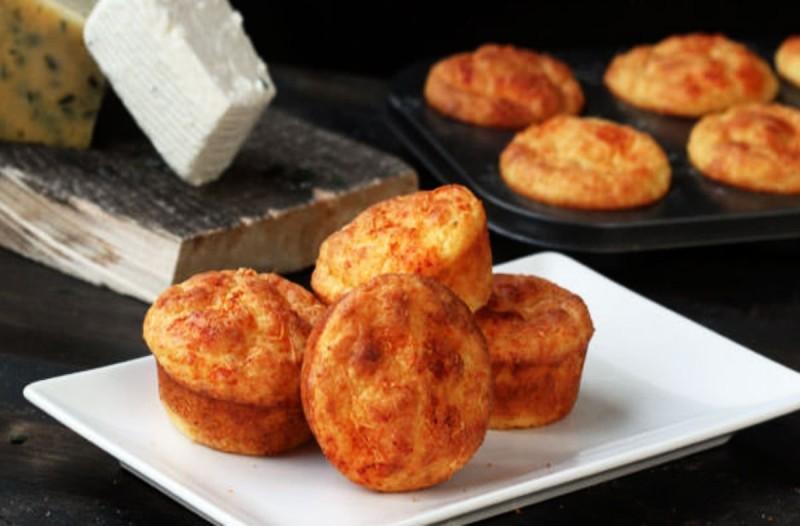 Εύκολα ζουμερά τυροπιτάκια χωρίς φύλλο - Το καλύτερο σνακ