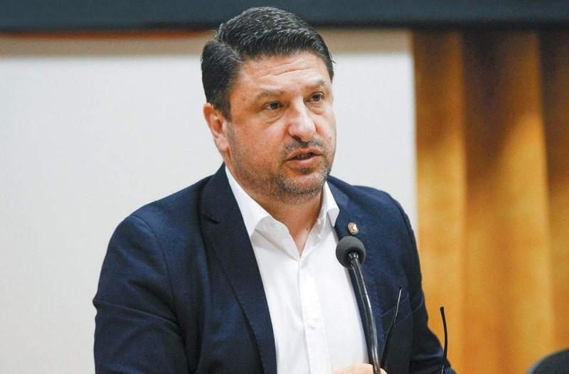 Φωτιά στο Λαύριο: Άμεσα στο σημείο ο Νίκος Χαρδαλιάς