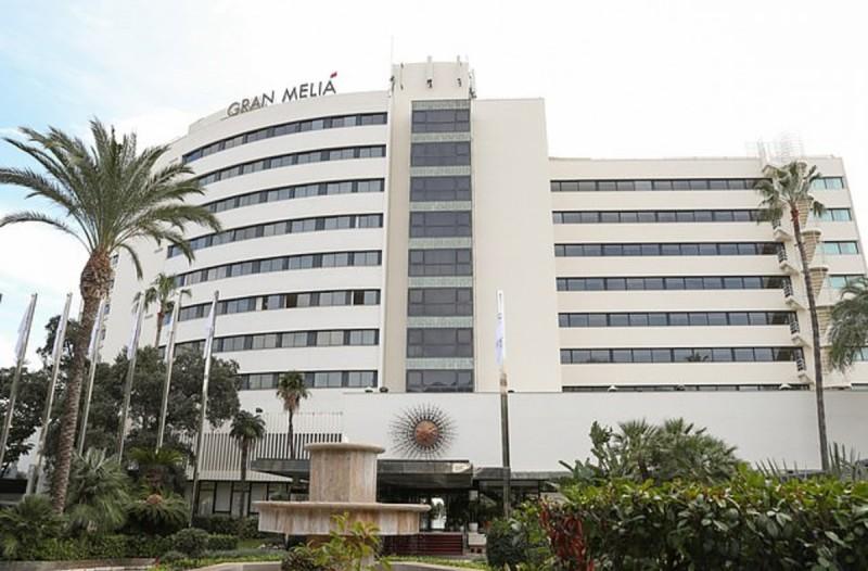 Τραγωδία: Πέθαναν δύο άνδρες από πτώση από 7ο όροφο ξενοδοχείου