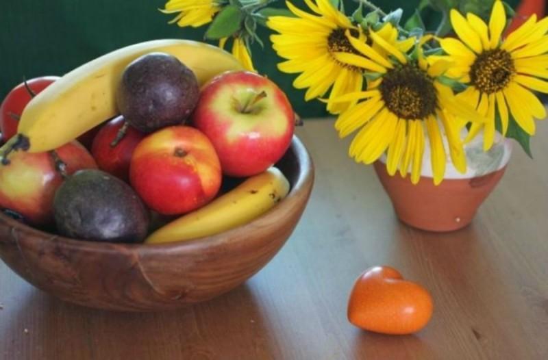 Ο τρόπος για να ξεφορτωθείτε τα μυγάκια που πάνε στα φρούτα - Θα σας λύσει τα χέρια