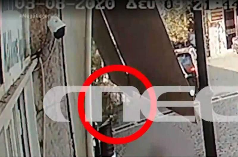 Βίντεο-ντοκουμέντο: Η στιγμή που το αεροσκάφος στις Σέρρες πέφτει πάνω στο σπίτι