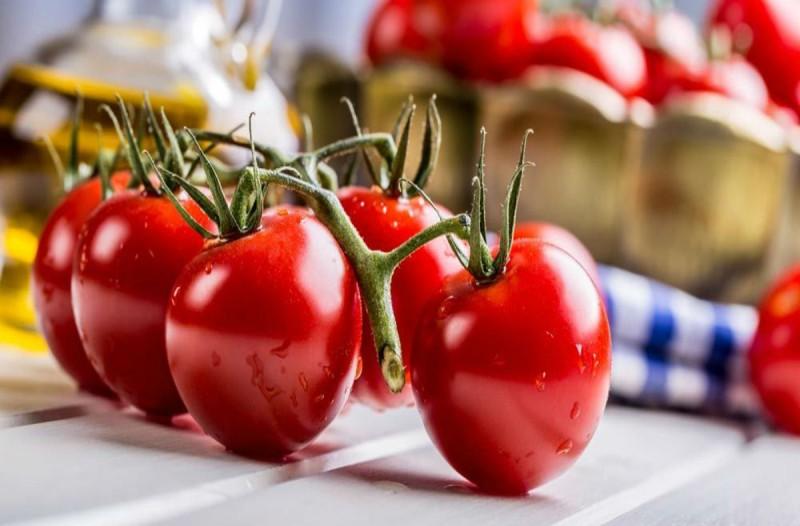 Το απόλυτο κόλπο για να ωριμάσουν οι ντομάτες σας πιο γρήγορα