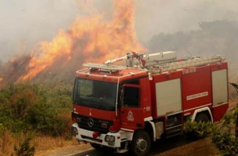 Μεγάλη φωτιά στην Αιτωλοακαρνανία