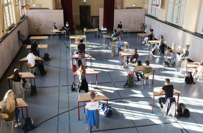 Κορωνοϊός: Σκέψεις για το πώς θα ανοίξουν τα σχολεία - Αυτές είναι οι εισηγήσεις των ειδικών