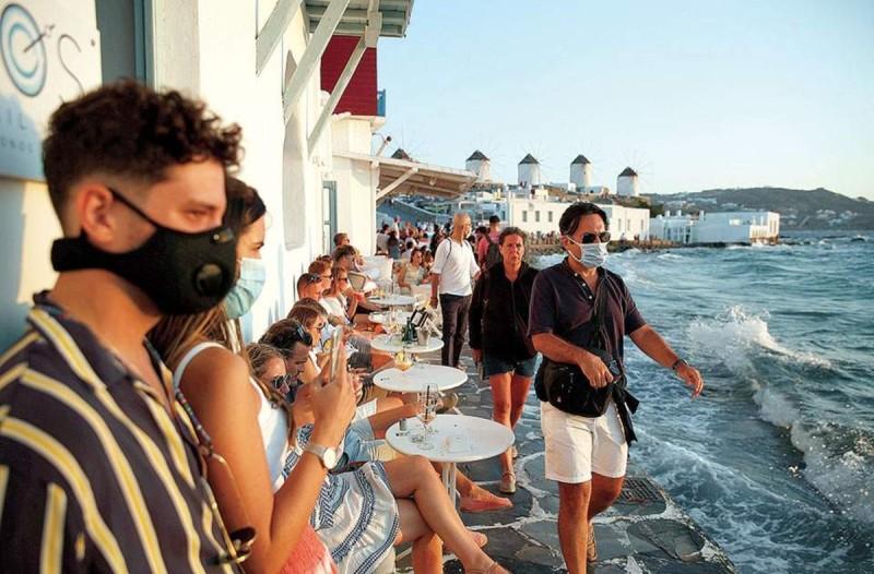 Κορωνοϊός: Αυτά είναι τα μέτρα για Μύκονο και Χαλκιδική