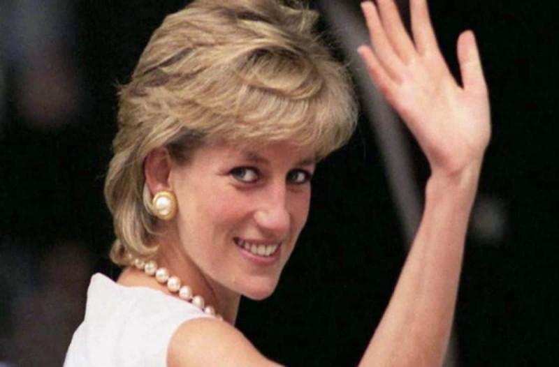 Πριγκίπισσα Νταϊάνα: Πήγε κόντρα στο βασιλικό πρωτόκολλο - Βγήκε στο δρόμο με...