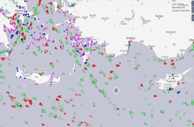 «Πυρετός» στο Αιγαίο: Ο χάρτης με την πορεία του Oruc Reis - Καλούν ανά 15λεπτο από το Ναυτικό να αποχωρήσει