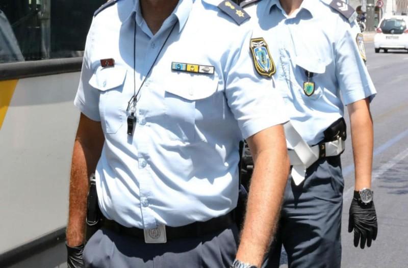 Συναγερμός στον Πόρο: Θετικός στον κορωνοϊό ένας αστυνομικός