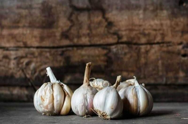 Έβρασε σκόρδο με ξύδι και ζάχαρη - Μόλις δείτε το αποτέλεσμα θα τρέξετε να το κάνετε