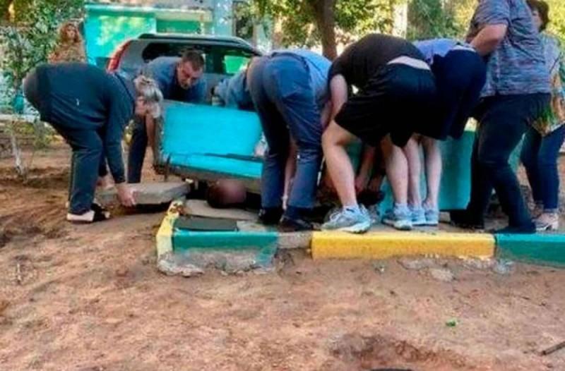 Φρικτός θάνατος: 11χρονος καταπλακώθηκε από τσιμεντένια πλάκα 2 τόνων (Video)