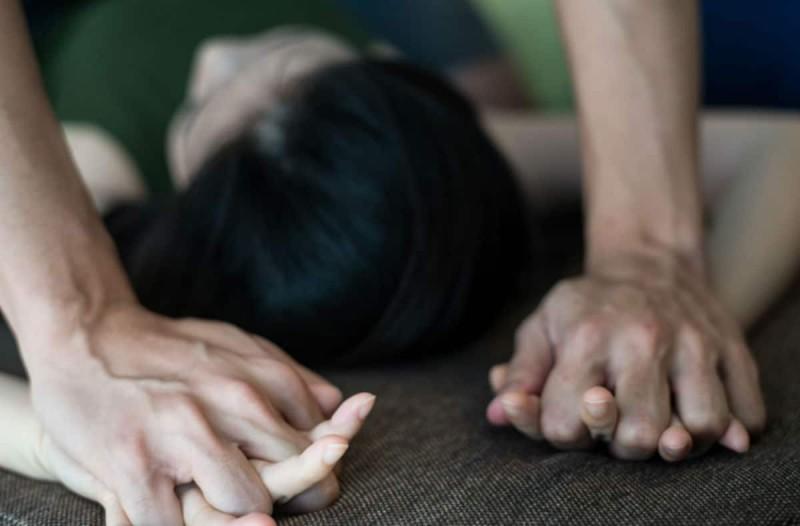 Σοκ στην Κυψέλη: 49χρονος κατηγορείται ότι βίασε 11χρονο κοριτσάκι - Τον έπιασαν με το εσώρουχο και το μαχαίρι στο χέρι  (Video)