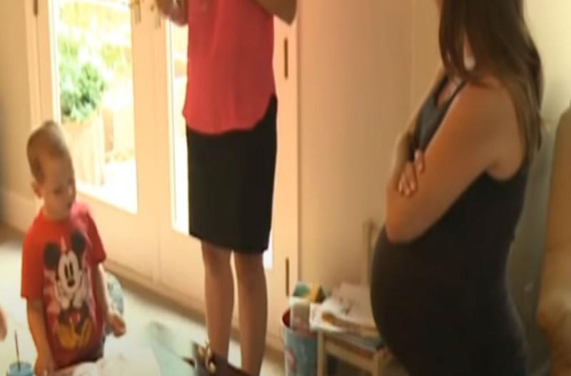 Αυτή η έγκυος είδε ένα φίδι να δαγκώνει το γιο της - Αυτό που έκανε θα κάνει το αίμα σας να