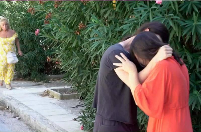 Διλήμματα: Η Θεανώ είδε το σύντροφο της κόρης της να φιλιέται με τη νύφη της
