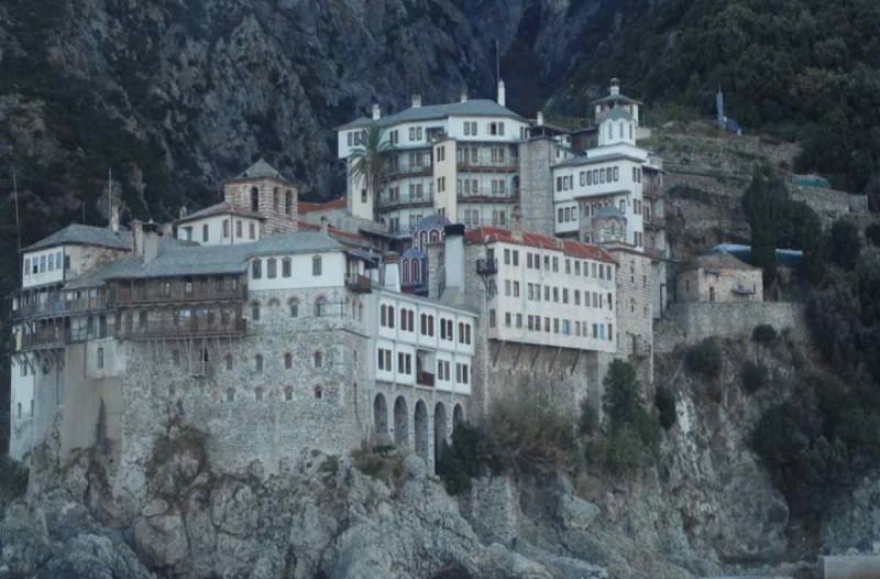 Κορωνοϊός: Συναγερμός με νέα κρούσματα στο Άγιο Όρος - Έκτακτα μέτρα σε ισχύ