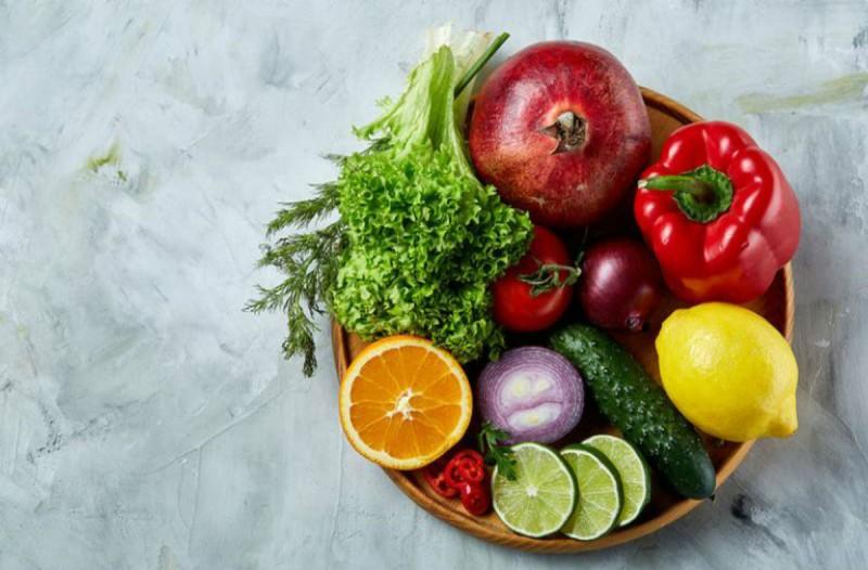 Τα φρούτα και τα λαχανικά που δεν πρέπει να ξαναπετάξεις ποτέ τη φλούδα τους