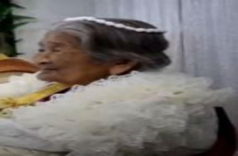 96χρονη γιαγιά ντύθηκε νύφη και πήγε στο γηροκομείο - Αυτό που ακολούθησε θα σας αφήσει με το στόμα ανοιχτό