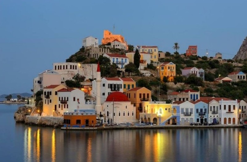 Το ελληνικό νησί με την απερίγραπτη ομορφιά που δεν έχει ούτε... παραλίες αλλά ούτε και αυτοκίνητα!