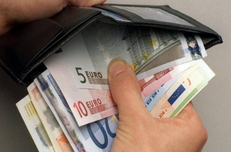 Στα 650 ευρώ ο κατώτατος μισθός λόγω κορωνοϊού -